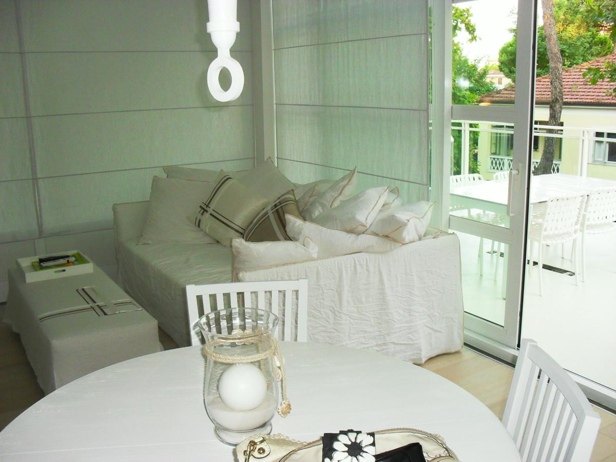 Vendiamo signorile appartamento, con  terrazzo vista panoramica