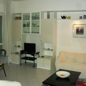 Vendiamo in zona centralissima luminoso appartamento appartamento
