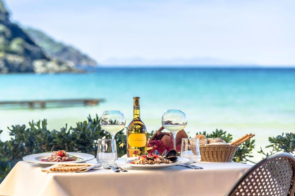 Vendiamo ristorante vicino al mare