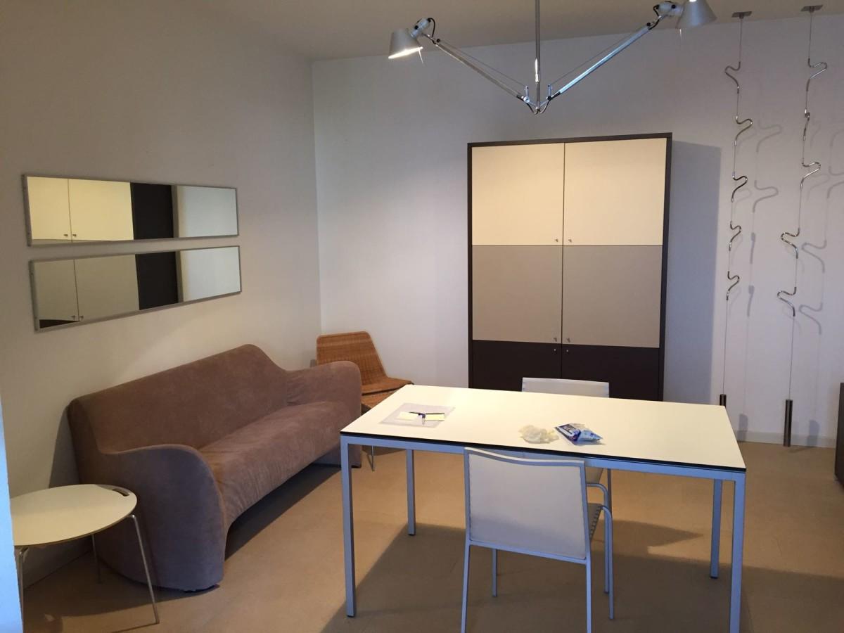 Vendiamo studios in zona tranquilla