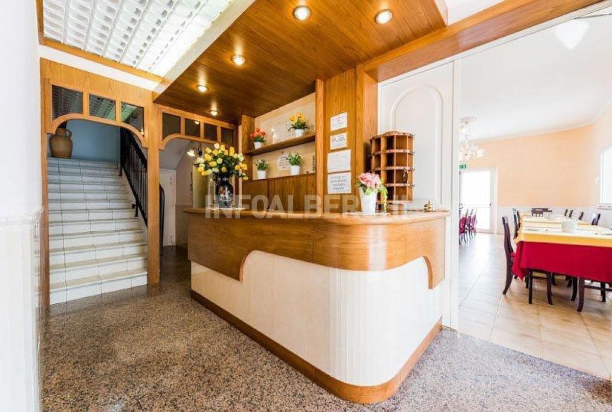 VENDIAMO HOTEL SUL LUNGOMARE