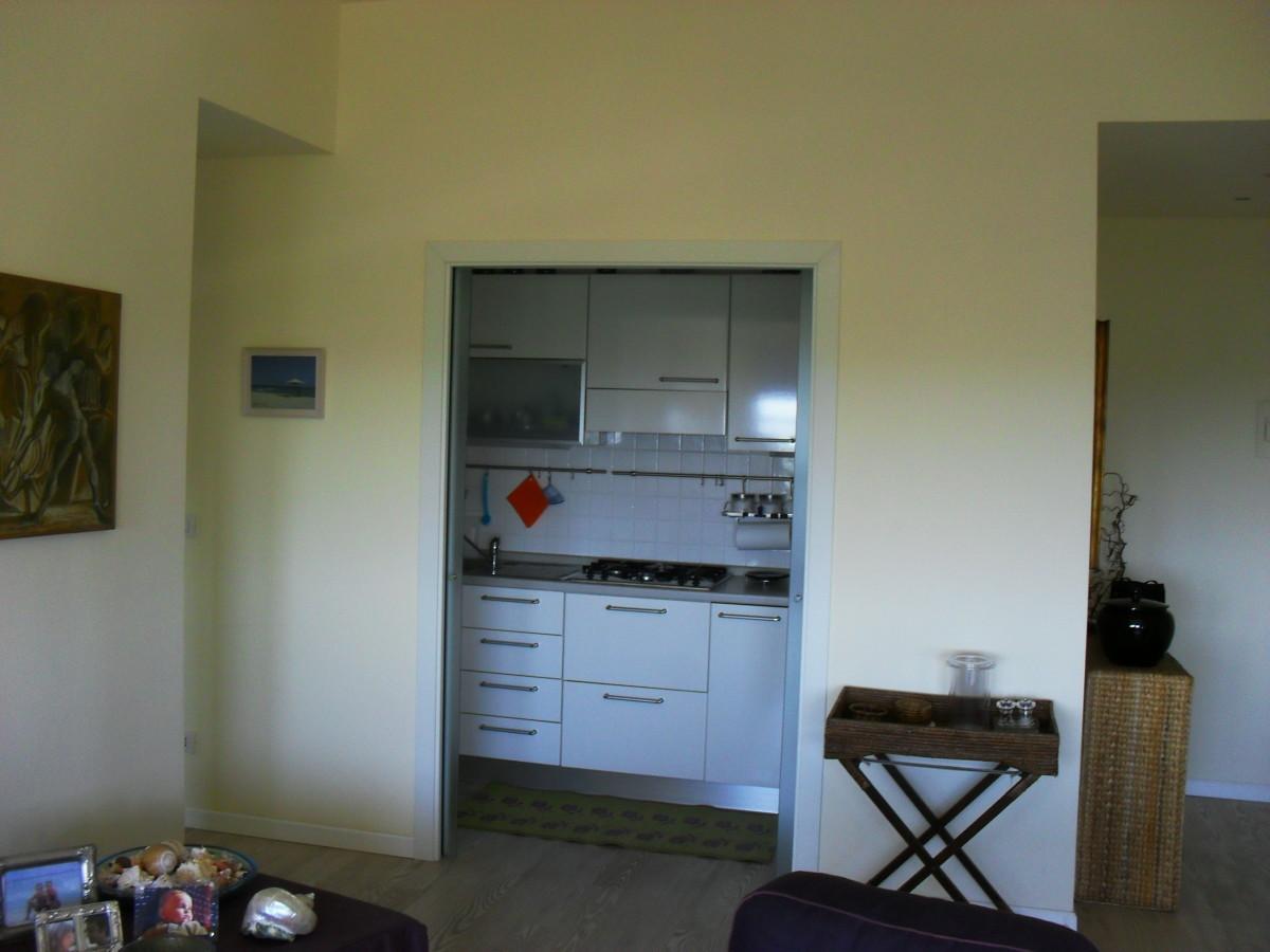 Vendiamo grazioso appartamento con vista mare