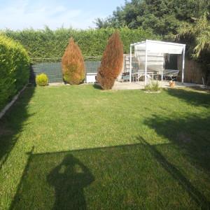Vendiamo grazioso bilocale con giardino, ingresso indipendente
